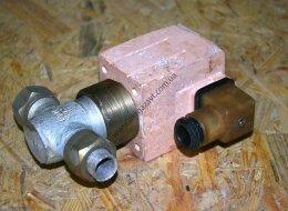 Вентиль запорный бессальниковый с электромагнитным приводом ЛА 26336-01