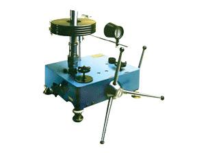 Манометр грузопоршневой МП-600 класса точности 0,01 и 0,02