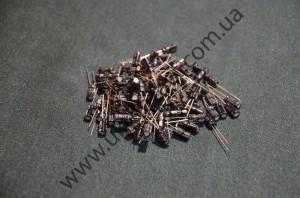 Электролитический конденсатор 100V4.7пкф