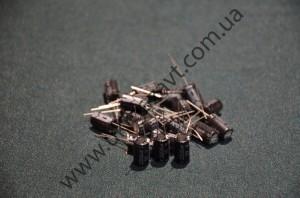 электролитический конденсатор 10В 2200пкф