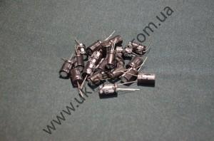 Электролитический конденсатор 10V2200пкф