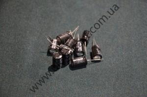 Электролитический конденсатор 25V2200пкф