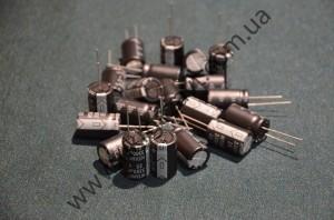 Электролитический конденсатор 25V3300пкф