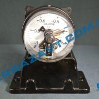 Электроконтактный вакуумметр ДВ2010ф исп V -1 - 0 кгс/см2 кл. т. 1,5